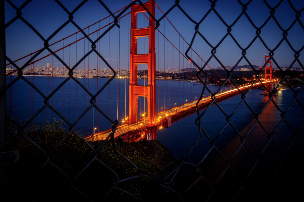Golden Gate night view in san-francisco where Pangeanic offers international translation services machine translation and AI